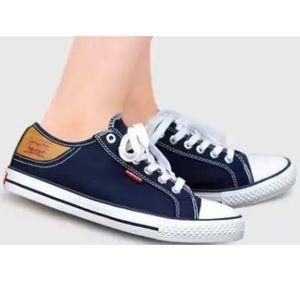 Levi's Stan Buck Navy & white canvas sneaker